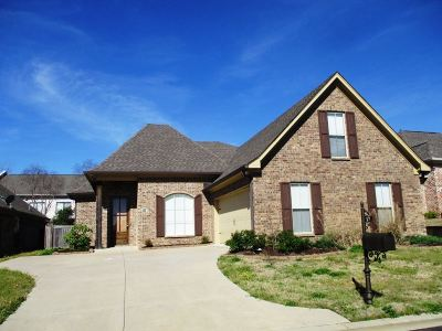 Ridgeland Single Family Home Contingent/Pending: 17 Enclave Cir