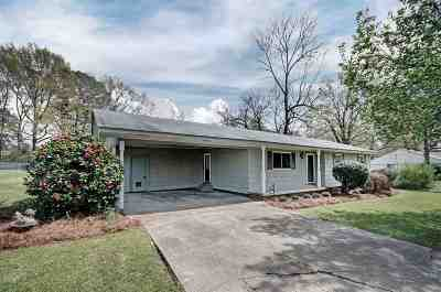 Ridgeland Single Family Home Contingent/Pending: 322 S Wheatley St