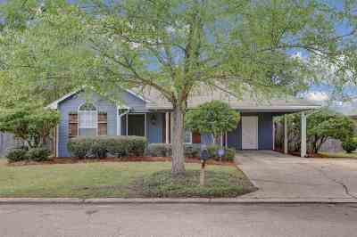 Brandon Single Family Home Contingent/Pending: 414 Audubon Cir