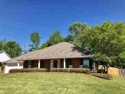 Brandon Single Family Home For Sale: 1027 Cumberland Dr