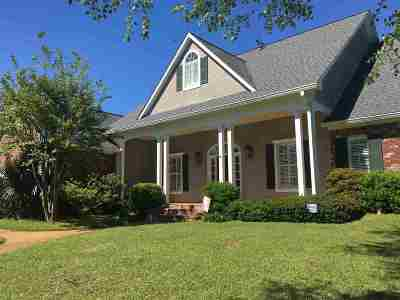 Madison Single Family Home For Sale: 489 Bellechase Pl