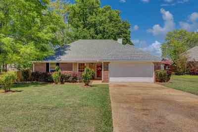 Pearl Single Family Home Contingent/Pending: 505 Oak Ridge Way