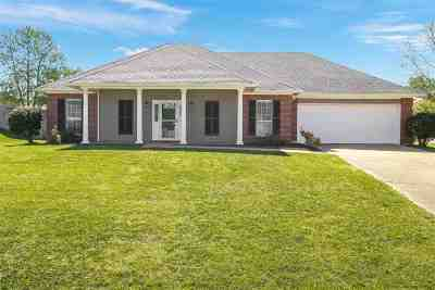 Brandon Single Family Home Contingent/Pending: 1000 Cobblestone Pl