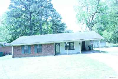 Single Family Home For Sale: 131 Brantley St