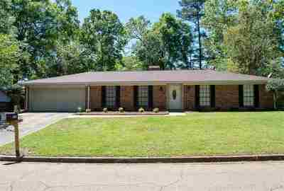 Brandon Single Family Home Contingent/Pending: 119 Longmeadow Rd