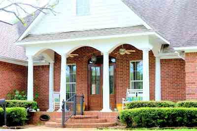 Madison Single Family Home For Sale: 129 Golden Ln
