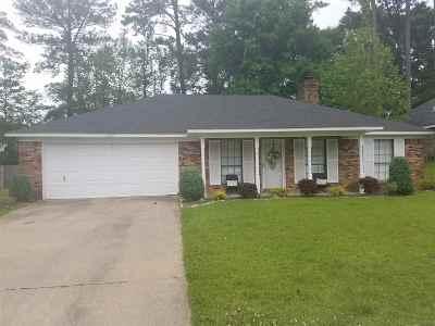 Byram Single Family Home Contingent/Pending: 446 Lee Dr