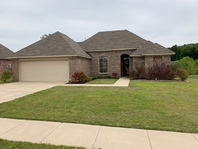 Brandon Single Family Home For Sale: 413 Winterfield Way