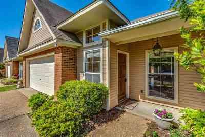 Ridgeland Single Family Home Contingent/Pending: 302 Creston Ct