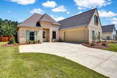 Flowood Single Family Home Contingent/Pending: 205 Duchess Ct