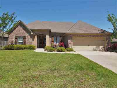 Pearl Single Family Home For Sale: 302 Amberwood Ct
