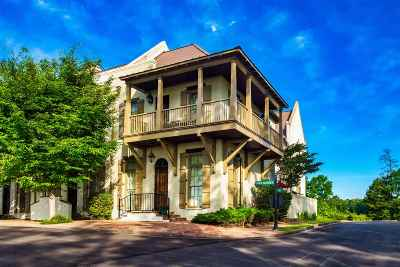 Madison Townhouse For Sale: 224 North Natchez Dr
