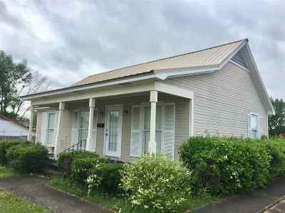 Leake County Commercial Contingent/Pending: 201 E Main St