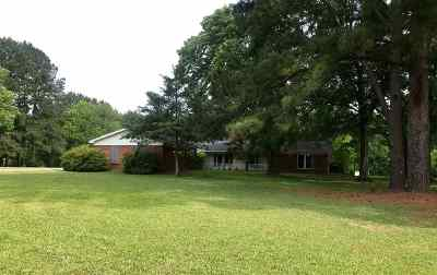 Clinton Single Family Home For Sale: 111 Keith Ln
