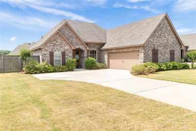 Brandon Single Family Home Contingent/Pending: 512 Belle Oak Pl