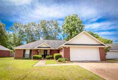 Rankin County Single Family Home Contingent/Pending: 509 Greenhead Cir