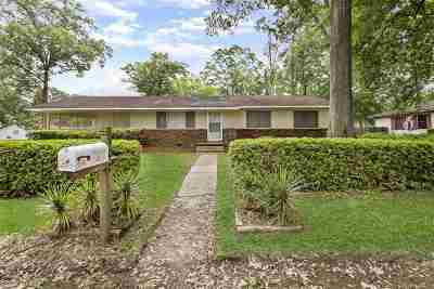 Pearl Single Family Home For Sale: 102 Avis St