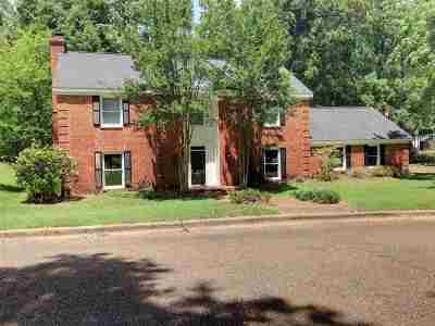 Jackson Single Family Home For Sale: 256 Meadowoods Dr