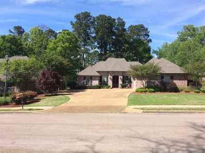 Canton Single Family Home Contingent/Pending: 428 Meadowgreen Ln