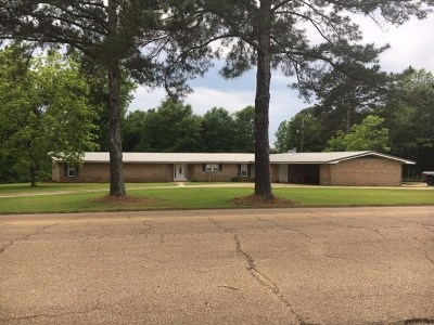 Smith County Single Family Home For Sale: 270 Magnolia Dr