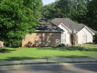 Madison County Single Family Home For Sale: 269 Woodland Brook Dr