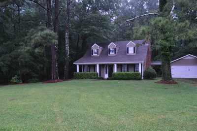 Brandon Single Family Home Contingent/Pending: 177 Robbins Rd