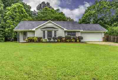 Madison County Single Family Home For Sale: 222 Cherry Hill Ct