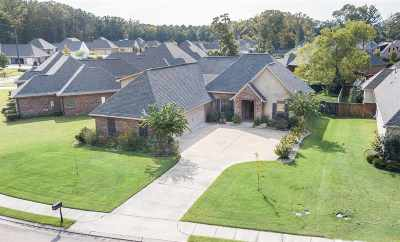 Madison County Single Family Home For Sale: 102 Quill Cv