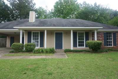 Madison County Single Family Home For Sale: 338 Brookwoods Dr