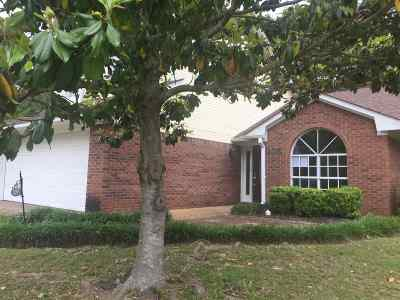 Hinds County Single Family Home For Sale: 206 Lake Forest Ln