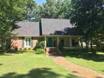 Madison County Single Family Home For Sale: 201 Coachman's Rd
