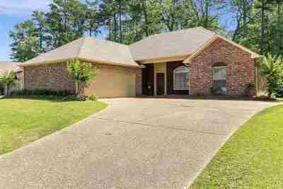 Brandon Single Family Home For Sale: 434 Pinebrook Cir