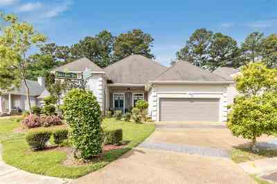 Madison Single Family Home For Sale: 221 Bayview Dr