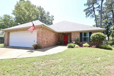 Brandon Single Family Home For Sale: 333 Cypress Creek Rd