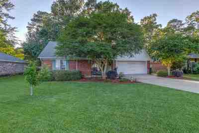 Brandon Single Family Home For Sale: 126 Holmar Dr