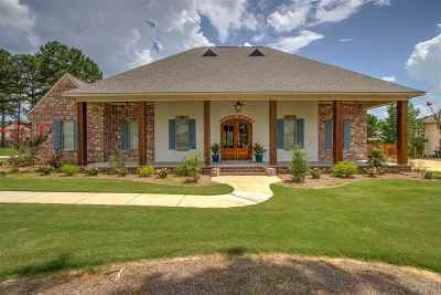 Madison County Single Family Home For Sale: 115 Winterbury Dr