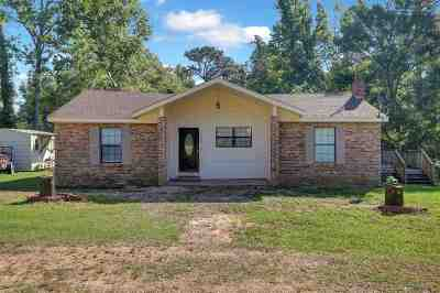 Simpson County Single Family Home For Sale: 1524 Simpson Hwy 469