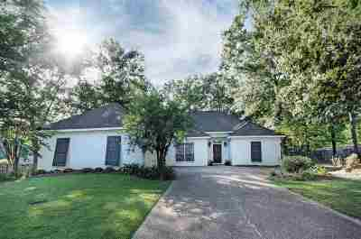 Madison County Single Family Home For Sale: 399 Pinewood Ln