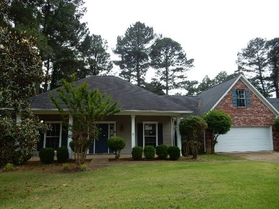 Madison County Single Family Home For Sale: 403 Ashtead Ct