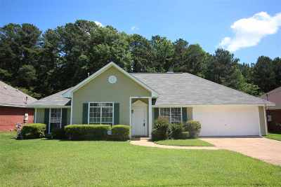 Madison County Single Family Home Contingent/Pending: 1952 Lincolnshire Blvd
