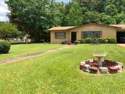 Jackson Single Family Home For Sale: 508 Queen Park Cir