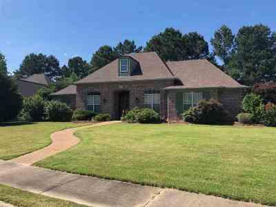 Madison County Single Family Home For Sale: 701 Wellington Way