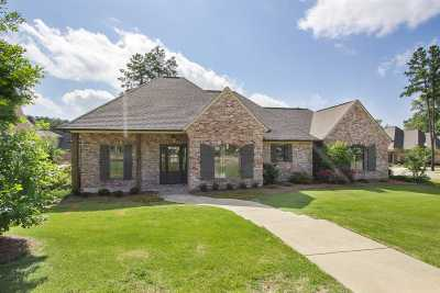 Madison County Single Family Home For Sale: 300 Edgewood Cv