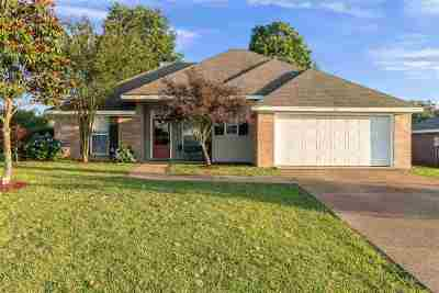 Pearl Single Family Home For Sale: 117 Dogwood Way