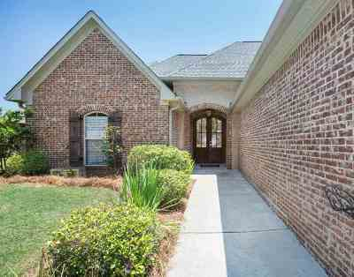 Madison County Single Family Home For Sale: 102 Wells Ct