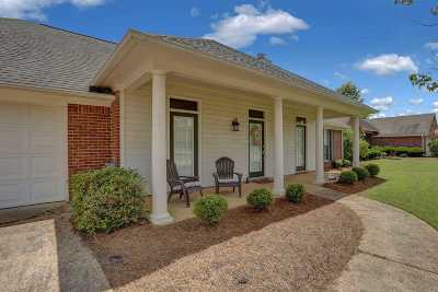 Flowood Single Family Home For Sale: 517 Laurelwood Dr