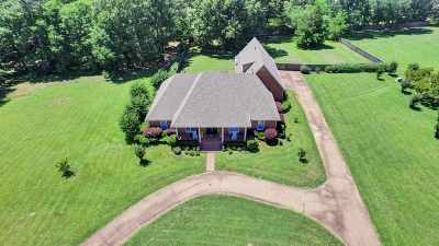Madison County Single Family Home For Sale: 550 Twin Cedars Dr