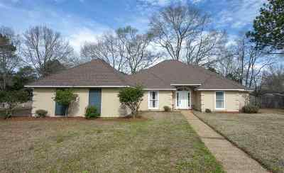 Madison County Single Family Home Contingent/Pending: 1 Grogan Pl