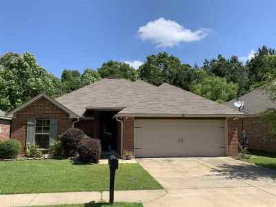 Brandon Single Family Home For Sale: 317 Azalea Ct