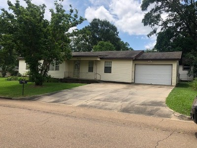 Simpson County Single Family Home For Sale: 722 1st St SE